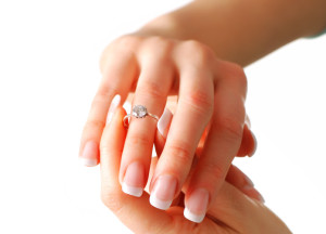 tips to save money on engagement ring