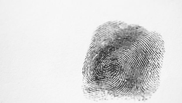 How to remove fingerprints from walls